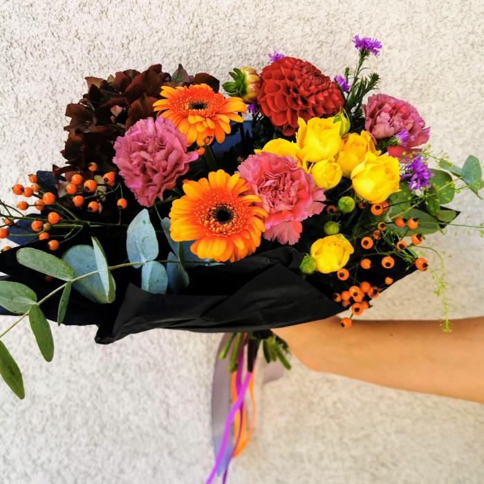 Rudenīgs ziedu pušķis Sigulda