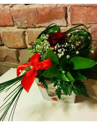 Rafaello kārba ar ziediem