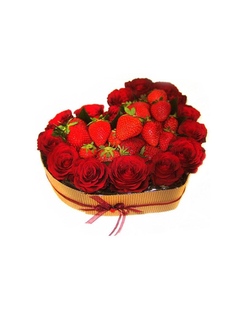 Rožu sirds ar zemenēm