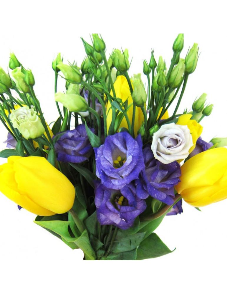 Тюльпаны и лизиантус
