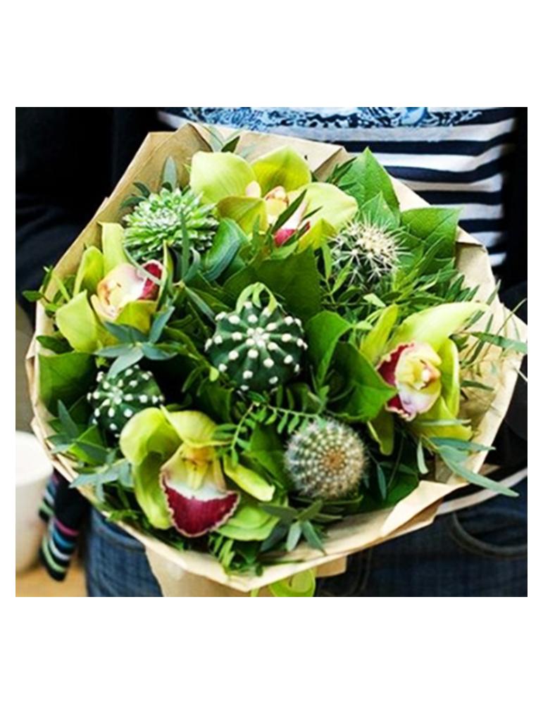 Букет из Орхидеи и и кактусов